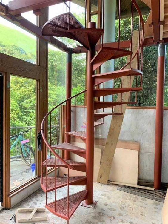 鉄筋 螺旋階段